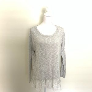 🐦Bobeau Made in the USA Grey Lace Bottom Top🐦